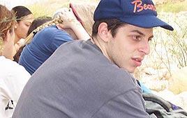 Après 1090 jours, la Croix Rouge réclame enfin une visite à Gilad Shalit